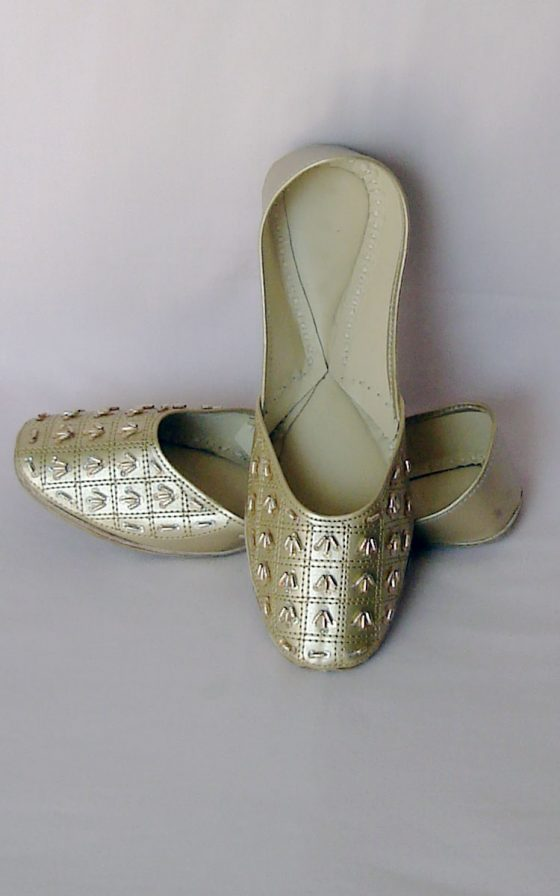 Silver Punjabi Jutti